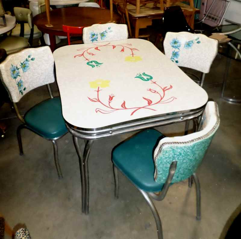 Kitchenette Tables And Chairs: 50'S KITCHENETTE TABLE In FURNITURE > KITCHEN/DINING TABLES
