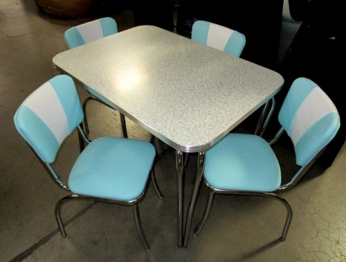 50`S KITCHENETTE TABLE