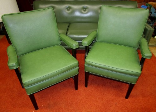 GREEN VINYL CHAIR